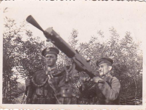 Pillanatképek a 2. világháborúról -II. rész  Fegyverropogásban
