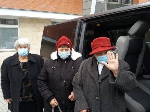 Covid-járat, avagy civil buszos segítség az idősek oltásában