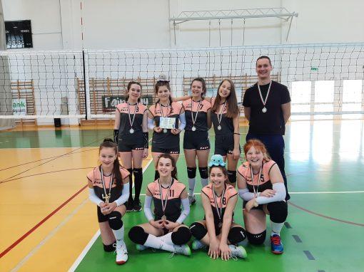 Röplabda - Két győzelem és egy vereség az U13-as lányok kunhegyesi tornáján