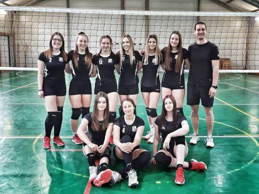 Röplabda - (U17 lány) Tata ellen győzelem, Pécs ellen szoros vereség