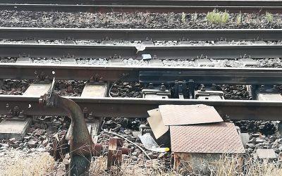 Eltört a sín a sülysápi vasútállomáson (Forrás: Facebook.com))